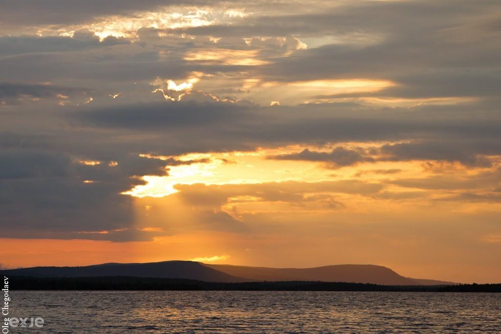 Утро на озере Портлубор, Кольский полуостров