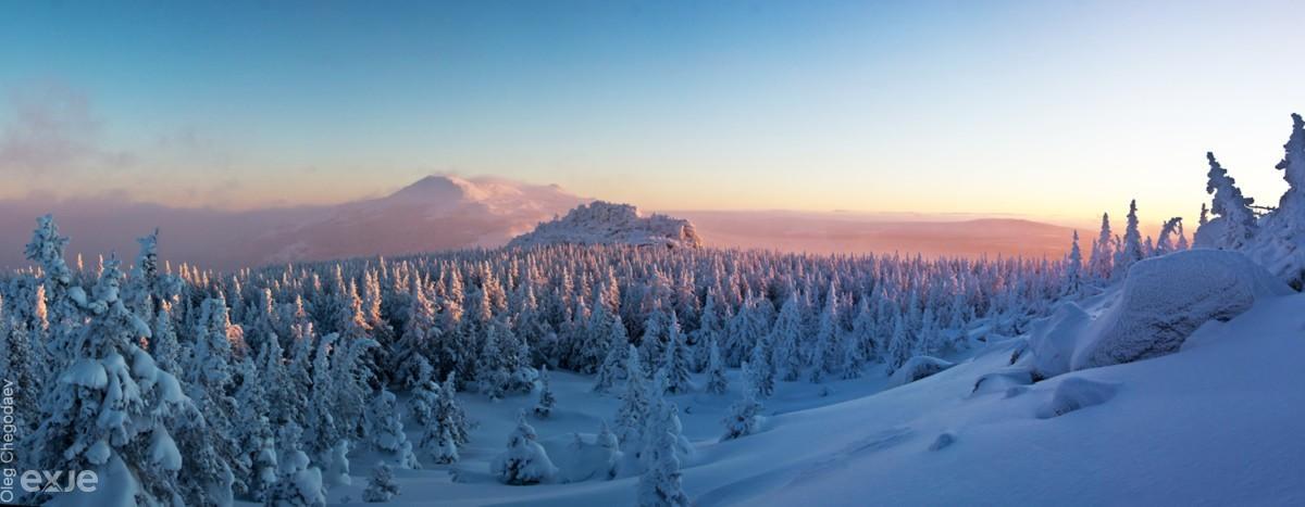 Хребет Нургуш зимой на восходе