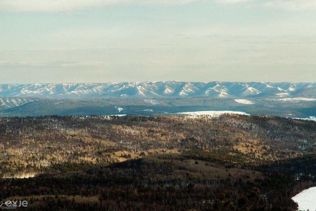 Вид с хребта Малый Шатак, Южный Урал