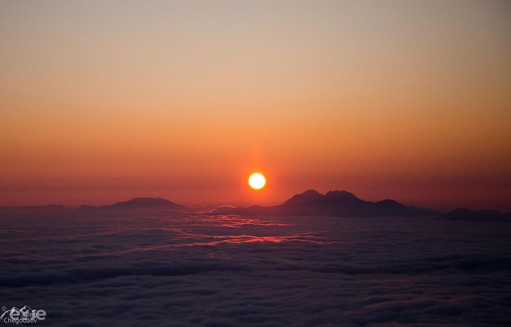 Восход над остром Итуруп