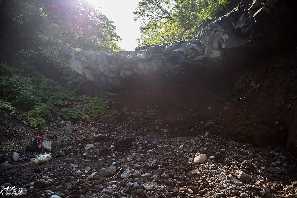 Первый водопад на ручье Краторный. Остром Итуруп