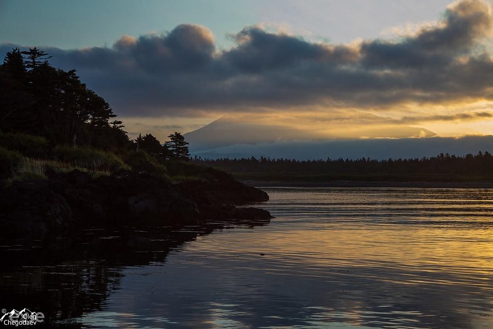 Вулкан Стокап на рассвете. Остров Итуруп