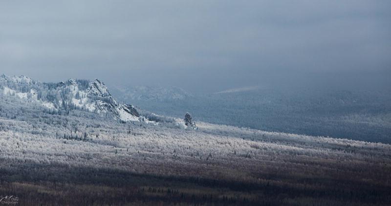 Вид на гору Машак 1265.3 с Инзерских Зубчаток