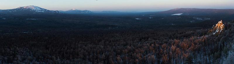 Последние лучи солнца в Юрюзаньской долине