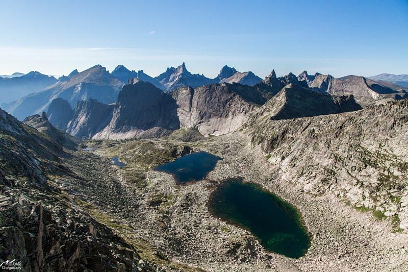 Вид с перевала Межозерный, Ергаки