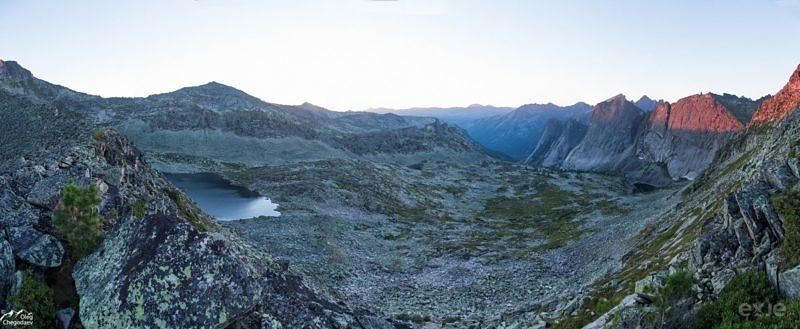 Рассвет в Ергаках в перевала НКТ