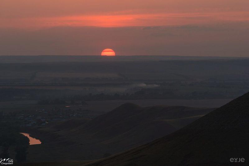 Закат над Сусак - тау