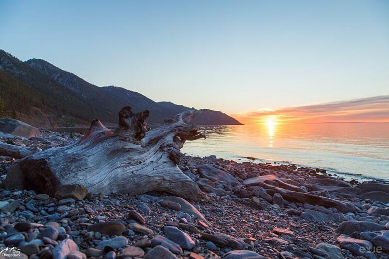 Байкал на восходе