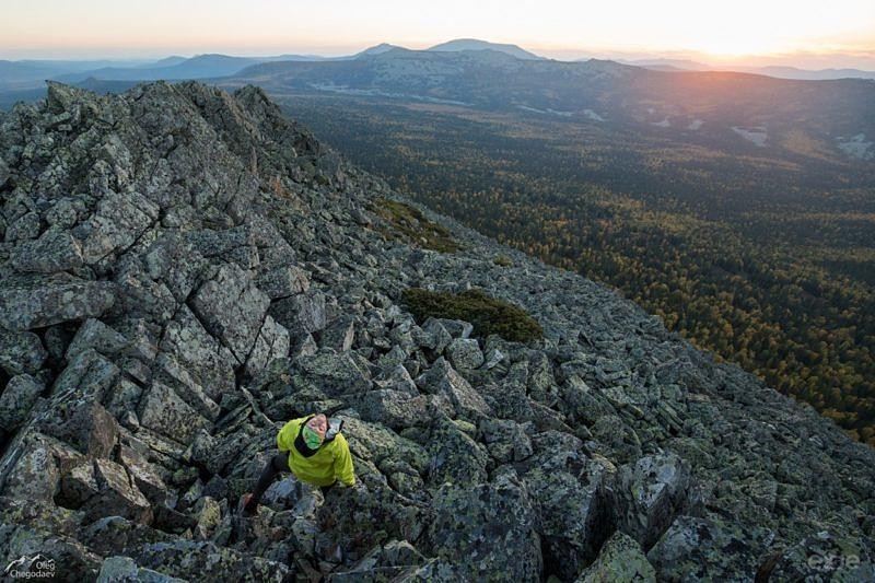 Вершина горы Колокольная 1354,1 м.
