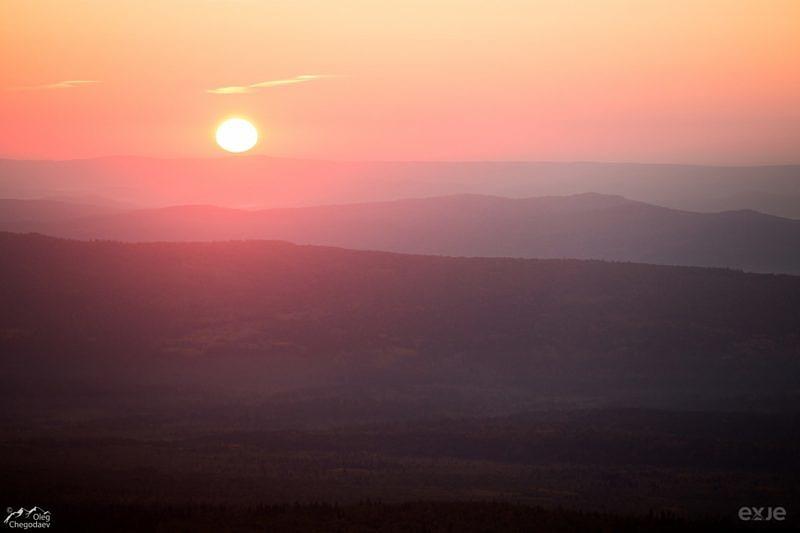 Восход над хребтом Инзерские Зубчатки