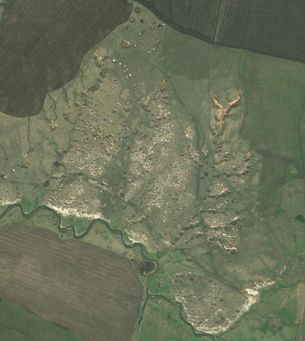 Карстовые проявления по правому берегу реки Аургазы