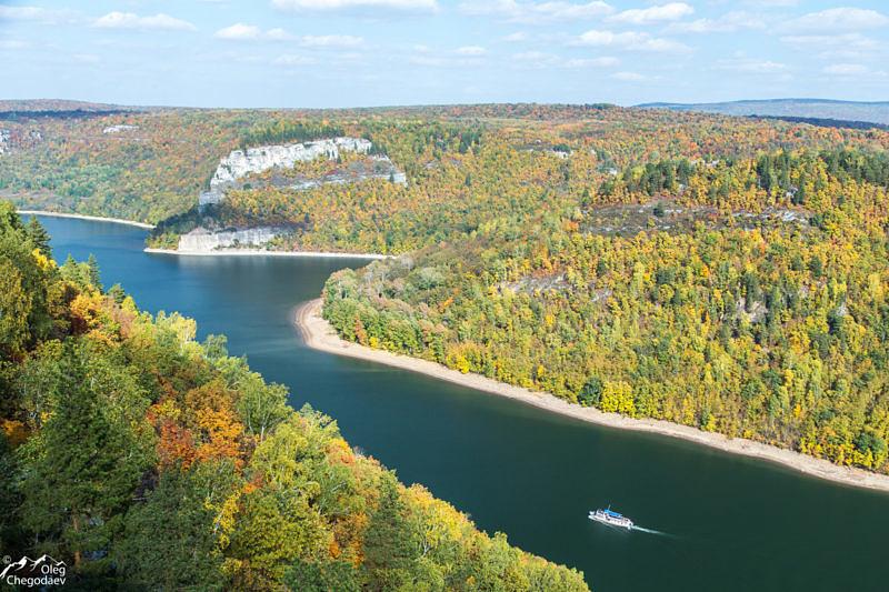 Нугушское водохранилище осенью