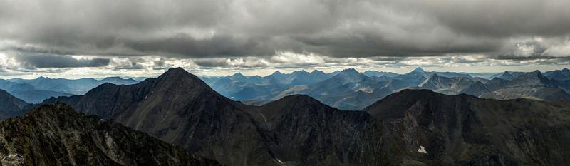 Вид с вершины горы Народная