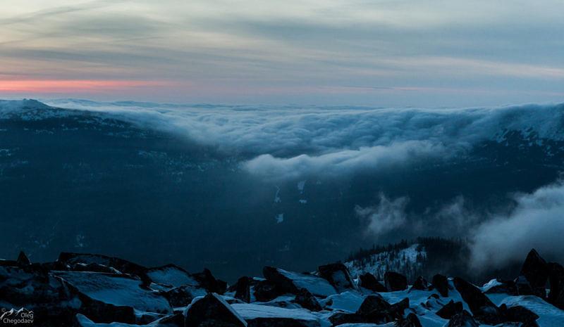 Перед рассветом с вершины горы Уван