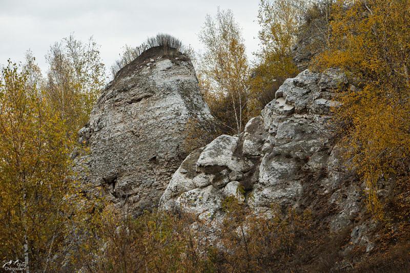 Скалы на правом берегу р. Аургазы