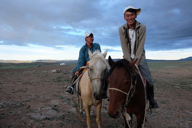 Монгольские юноши