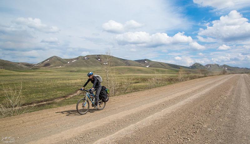 Дорога вдоль Хребта Карамурунтау
