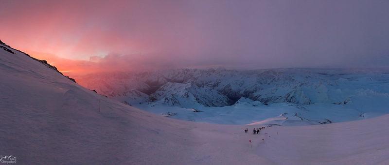 Утро на склонах Эльбруса