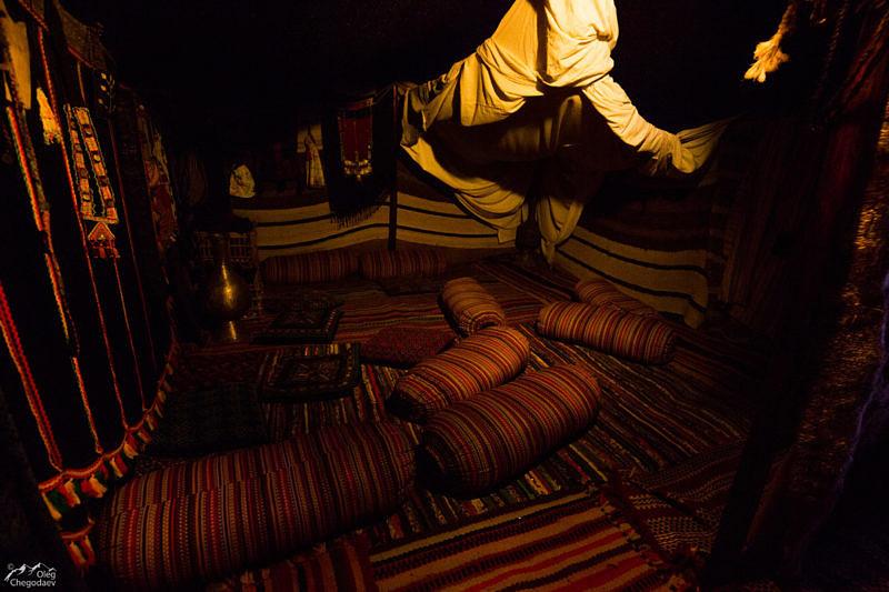 Внутри шатра Туарегов в Музее кочевой культуры