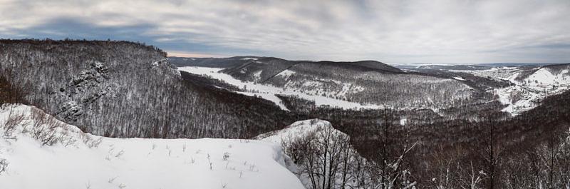 Вид с вершины урочища КызылТаш на село Макарово