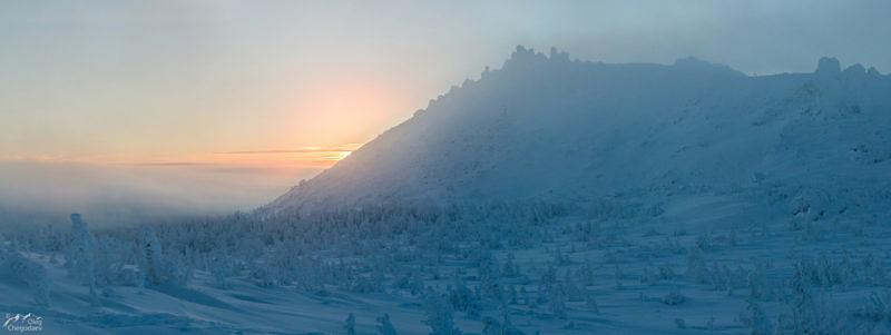 ершина горы Семичеловечья в облаках