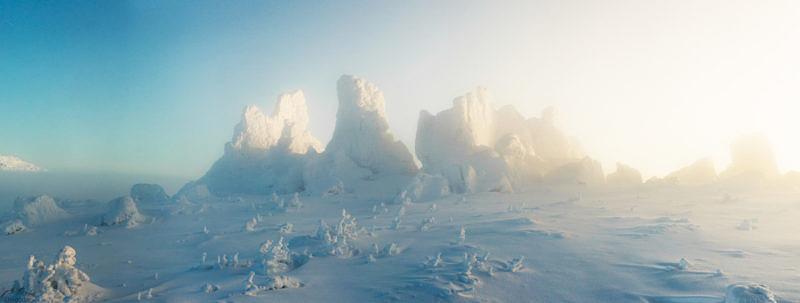 Каменные останцы на вершине горы Семичеловечья