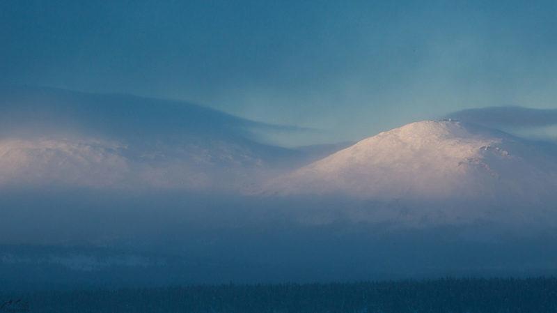 Большой и малый Ямантау на закате