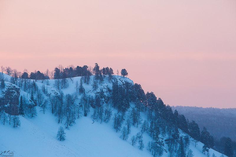 Вид с вершины Красной скалы Миньяр