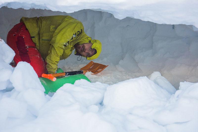 Копаем пещеру на Юрме