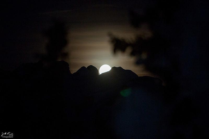 Луна над Таганаем