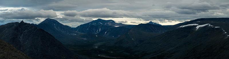 Панорамный вид на гору Народную, с вершины Баркова