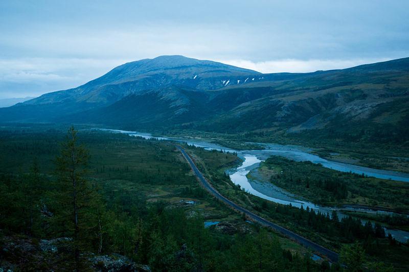 Долина реки Собь - вид на восток