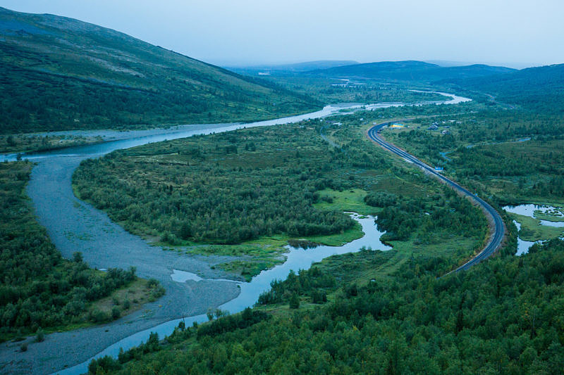 Долина реки Собь - вид на запад
