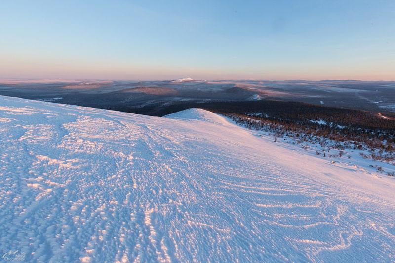 Заснеженный склон вершины Северный Басег