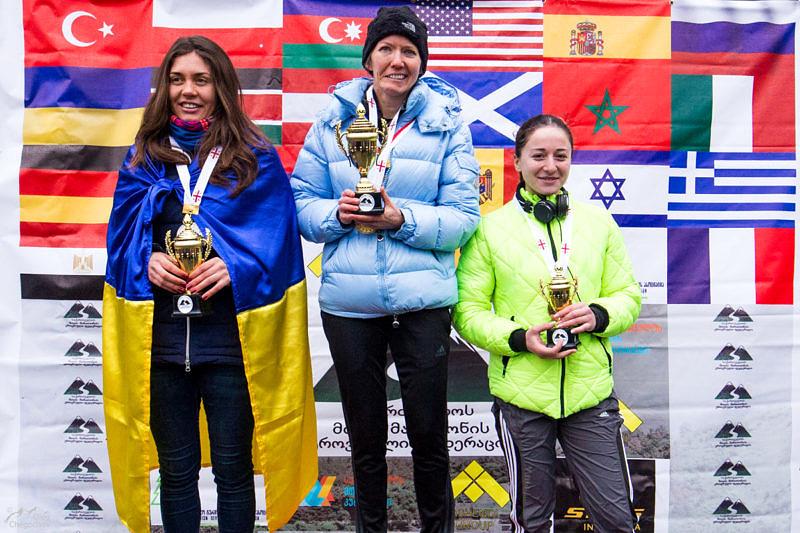 Женщины победители первого горного полумарафона в Тбилиси