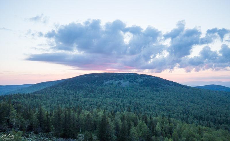 Гора Веселая, хребет Сухих Гор