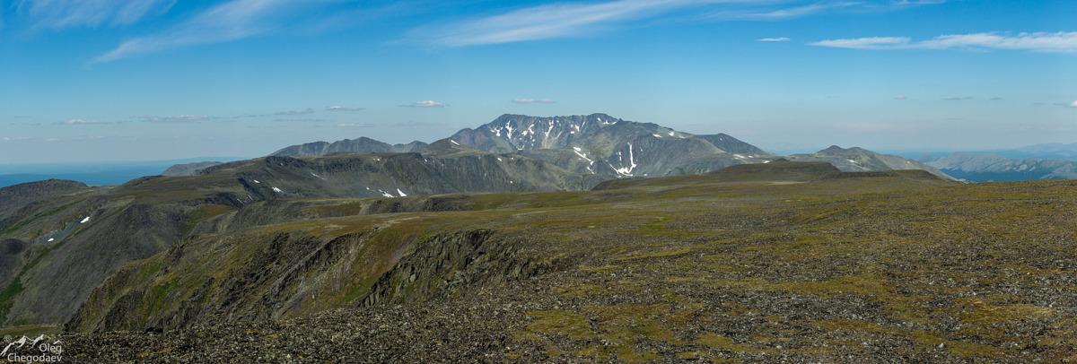 Вид на Тельпосиз с горы Хальмерсале