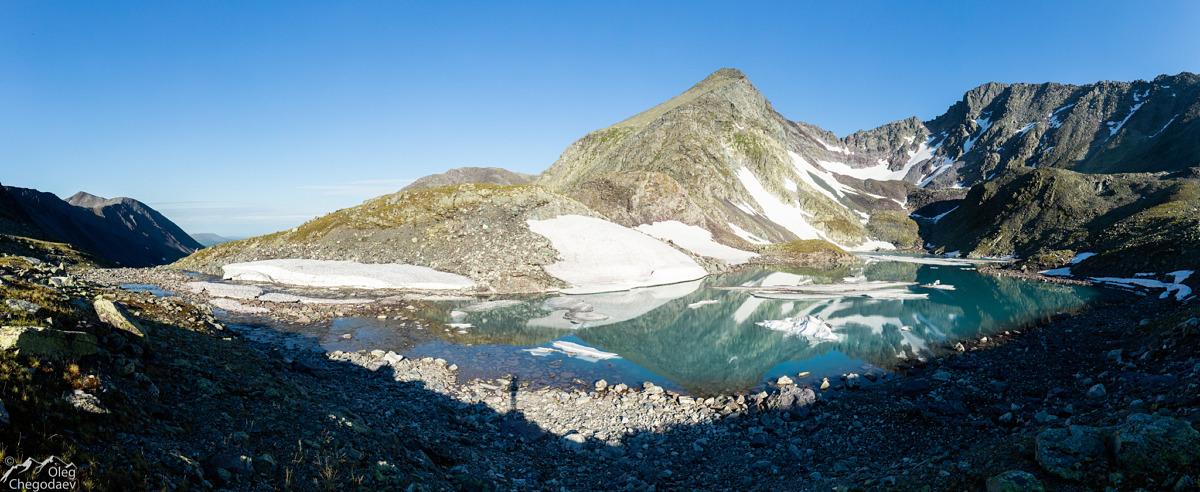 Озеро под горой Тельпосиз