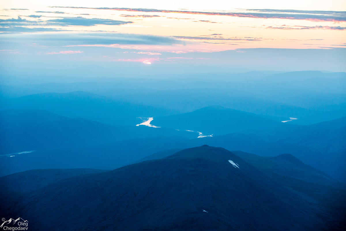 Рассвет с горы Тельпосиз