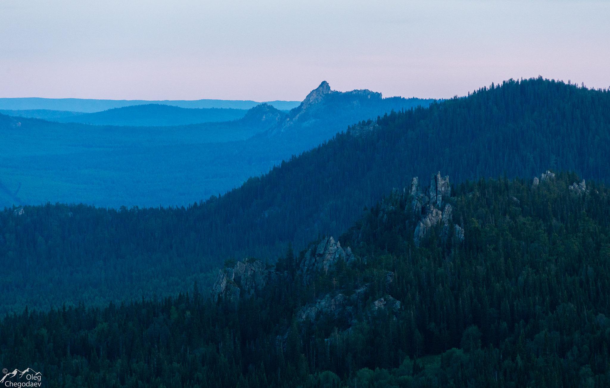 Вид с вершины 1079 на юг.