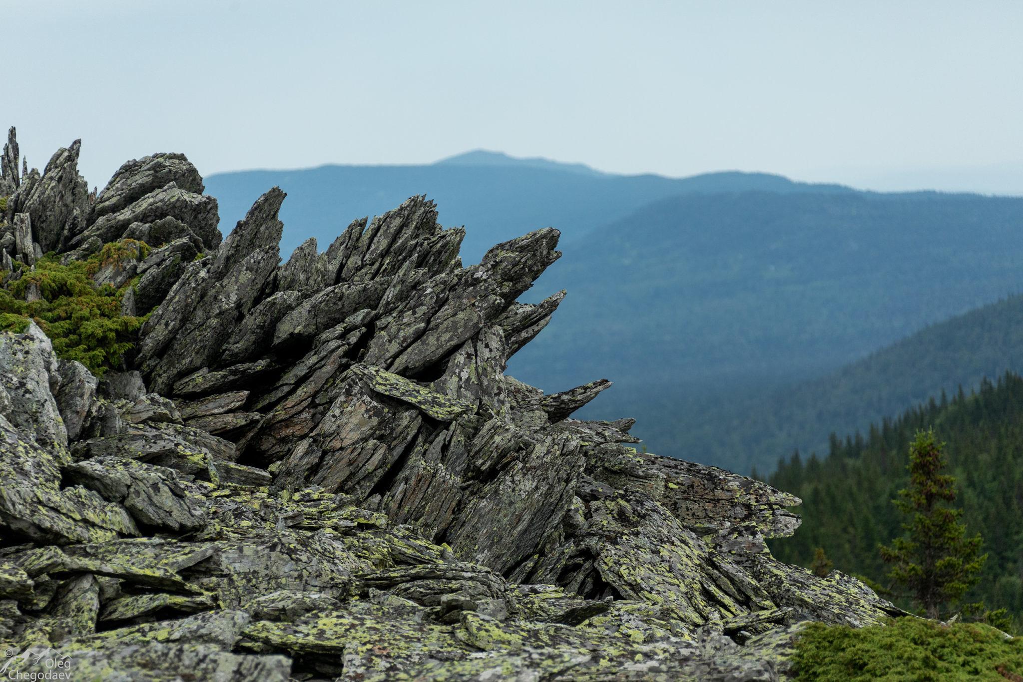 Скалы на вершине Большая Ягодная
