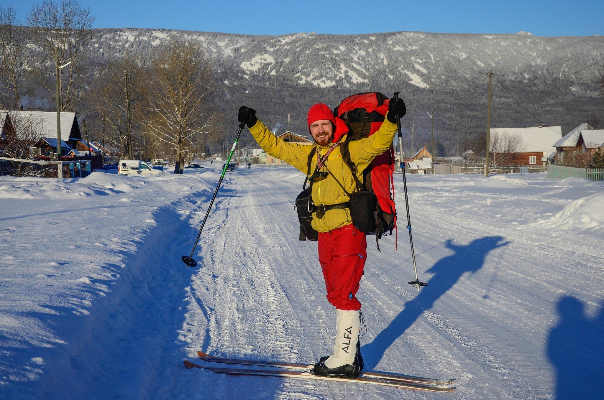 Олег Чегодаев на старте лыжного маршрута