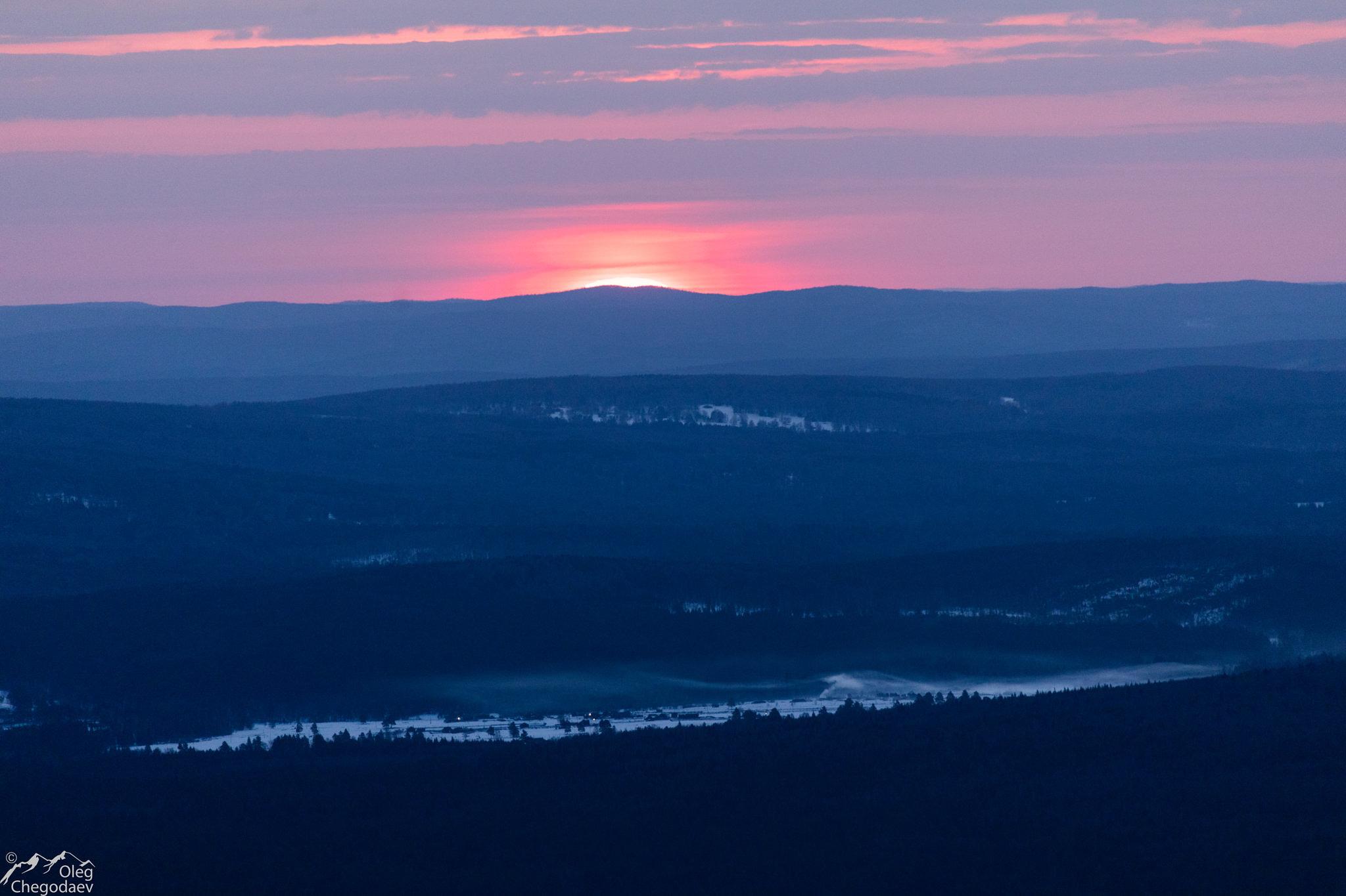 Восход над поселком Верхнеаршинский