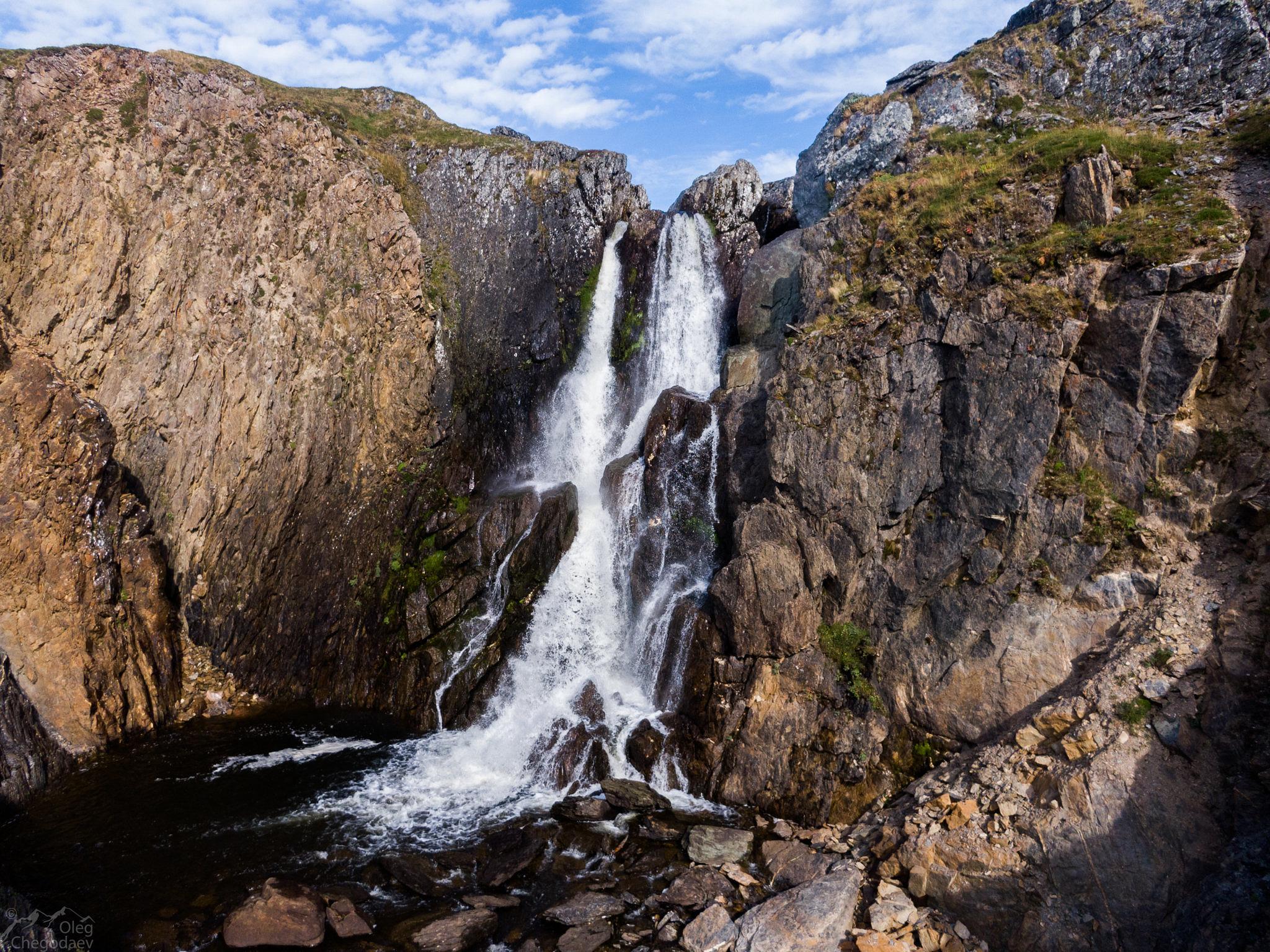 21 - метровый водопад на реке Таркаляетосё